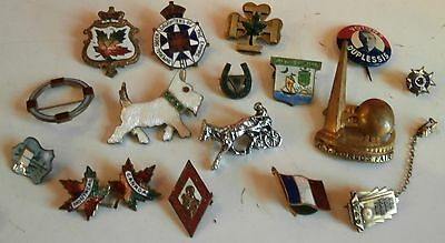 LOT OF  ANTIQUE  VINTAGE  advertising  PINS / BROOCH/ New York FAIR /FRANCE/++