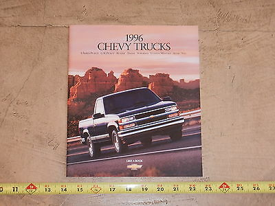ORIGINAL 1996 CHEVROLET TRUCK AUTOMOBILE DEALER SALES BROCHURE (lot 312)