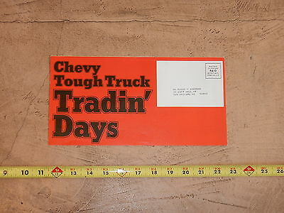 ORIGINAL 1976 CHEVROLET TRUCK AUTOMOBILE DEALER SALES BROCHURE (lot 303)