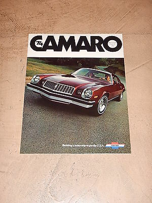 ORIGINAL 1974 CHEVROLET CAMARO AUTOMOBILE DEALER SALES BROCHURE (lot 191)