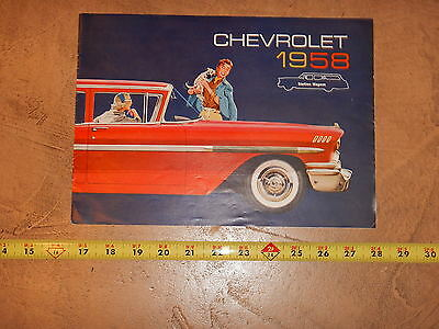 ORIGINAL 1958 CHEVROLET STATION WAGON AUTOMOBILE DEALER SALES BROCHURE (lot 195)