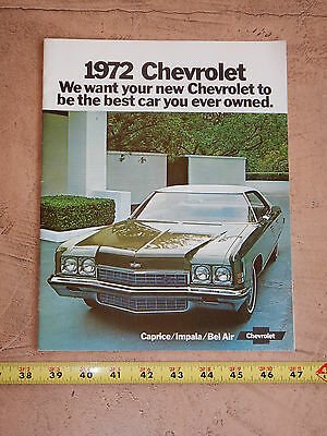 ORIGINAL 1972 CHEVROLET AUTOMOBILE DEALER SALES BROCHURE (lot CC)