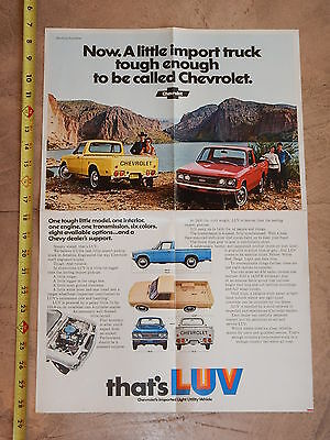 ORIGINAL 1973 CHEVROLET LUV TRUCK AUTOMOBILE DEALER SALES BROCHURE (lot 300)