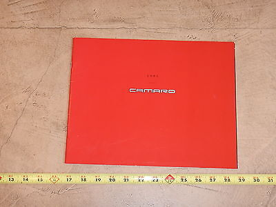 ORIGINAL 1995 CHEVROLET CAMARO AUTOMOBILE DEALER SALES BROCHURE (lot 244)