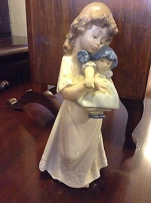 Lladro Nao Figurine Of Girl With Doll.