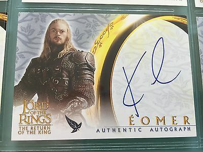 Lord of The Rings LOTR ROTK TOPPS Karl Urban EOMER signed autograph Card UACC