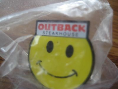 Outback Steakhouse Restaurant Yellow Smiley Face Pin Pinback NIP