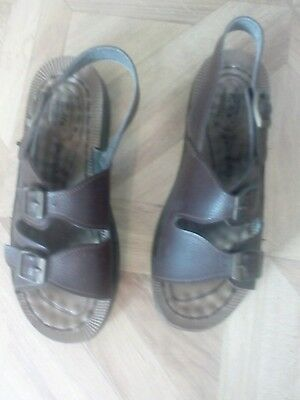 Brown Faux Leather Twin Strap And Buckle Style Sandals Size 9