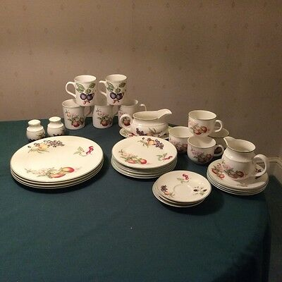 MARKS AND SPENCER M and S  St Michael ASHBERRY TABLEWARE