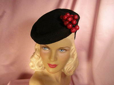 ~Charming vintage '40s black tilt hat with red cherries~SWING ERA~