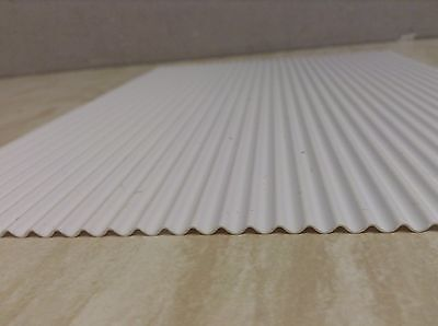 MAS001.   White Corrugated Plastic Sheet 1/32 Farm buildings