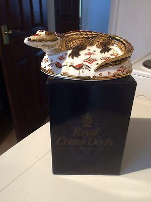 Royal Crown Derby Crocodile Paperweight With Signed Certificate.