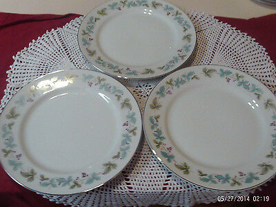 """Vintage Fine China Japan 3 Dinner Plates 10.25"""" Grapes And Leaves Very Nice"""
