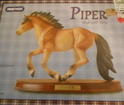 Breyer PIPER new in box with all his paperwork. Limited Edition 2004 JCPenney