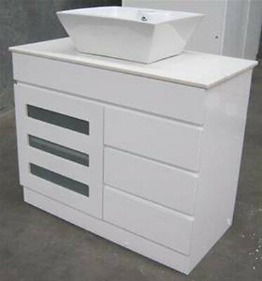 VANITY BATHROOM 900mm  UNIT WITH  FREE FAUCET New