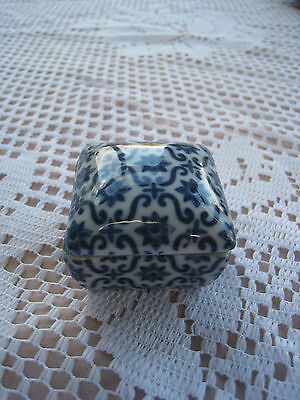 Very Small Pill/ Trinket Pot In Blue Decorated White Pottery / China