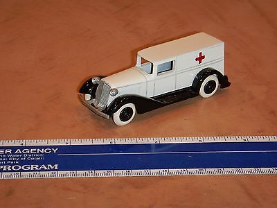 """Heavy Diecast Tsy Toy Ambulance 3.75""""  Excellent  (Lot 2)"""