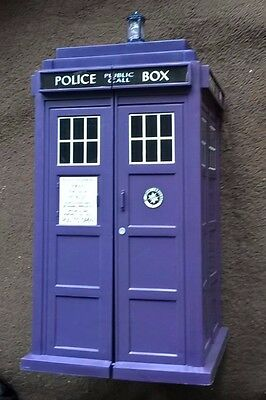 Doctor Who Tardis with 113 Monster Invasion Cards