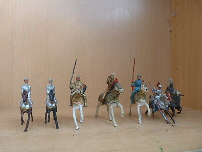 VINTAGE  TOY SOLDIERS - mixture of vintage mounted  painted lead knights x 7