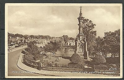 Postcard : Newton Stewart the Galloway Memorial and Cree Bridge