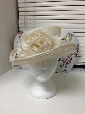 Wedding Hat cream,Mother of the bride,Races,Wedding,Chic smart stylish
