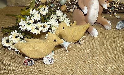 Primitive Pin Keep/wool Chick/easter/peep/vintage Thread Spools/spring/handmade
