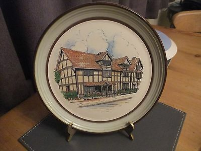 Fantastic Purbeck Pottery Collectors Plate Entitled Shakespeare's Birth Place