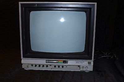 Vintage Commodore 1702 Computer Monitor WORKS GREAT!