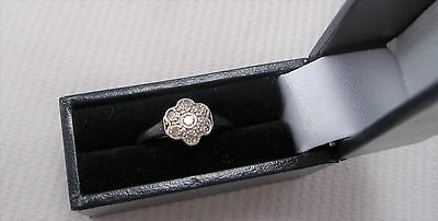 Edwardian Daisy Diamond Ring set in 18ct & Plat