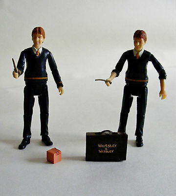 Harry Potter Loose Fred and George Weasley with Accessories Order of the Phoenix