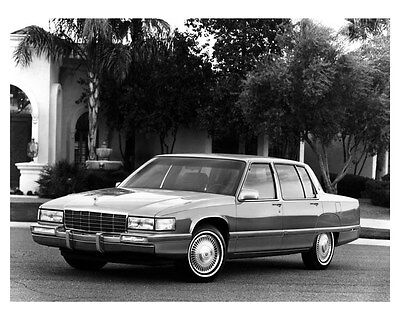 1992 Cadillac Fleetwood Sixty Special ORIGINAL Factory Photo ouc5389