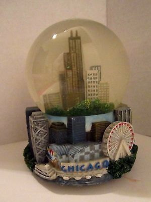 "Snow Globe Chicago Skyline w/ 3D Sculpture Base Music Box, 5.5""."