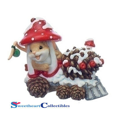 Charming Tails 130446 Mouse in Mushroom Train 2017