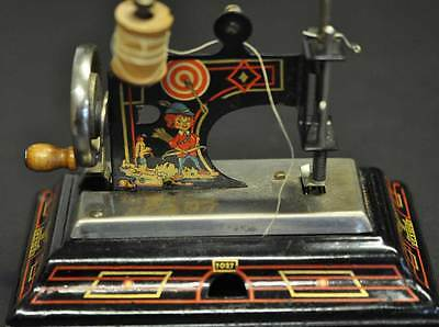CASIGE Kinder Nähmaschine No 1027 + GERMAN TOY SEWING MACHINE