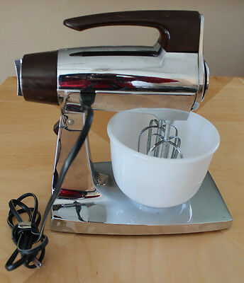 Sunbeam Mix Master Mixer Chrome Turtable w/ Wood Grain Style Trim Bowl Beaters