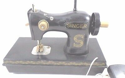 Vintage Plastic Singer Sewing Machine Toy Battery Operated Foot Pedal