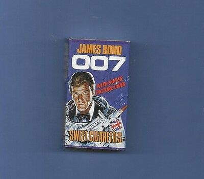1979 JAMES BOND 007 MOONRAKER CANDY CIGARETTES in BOX  with TRADING CARD,MIB