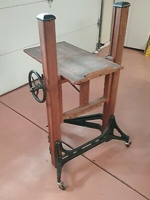 Studio antique CENTURY 1A CAMERA STAND NICE