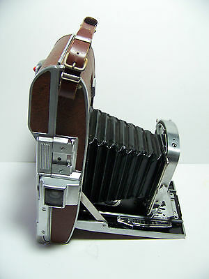 Polaroid Land Camera Model 95 B With Flash And Case