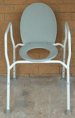 Extra Strong Adjustable Height Lidded Over Toilet Seat  Kallangur Pickup only