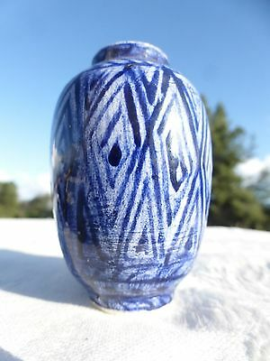 Truly WONDERFUL Vintage Blue white Porcelain Miniature Chinese Vase with Stand