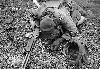 WWII Photo Dead US Soldier BAR Rifle & Grenade 1945  WW2 World War Two US Army