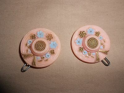 VINTAGE PLASTIC HAIR BARRETTES/CLIPS ~BEAUTIFUL PINK PICTURE HATS w/ FLOWERS