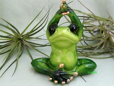 Green Pudgy Yoga Frog Stretching Meditation Make You Smile Resin Fairy Garden