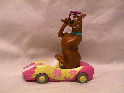 """2000 Bakery Crafts SCOOBY DOO Figure in Pink/Yellow Car Toy Hanna Barbera 3.25"""""""