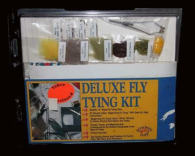 Vtg Fishing SKYKOMISH FLIES Deluxe Fly Tying Kit Tool Set Vise Feathers Etc NIP