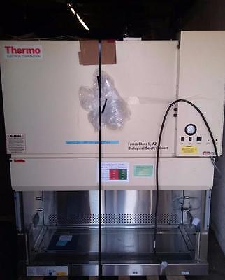 4 foot Biosafety Cabinet/Tissue culture hood, Thermo 1284 Class 2 A2,