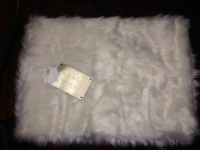 """Nicole Miller White Home Faux Fur 14"""" X 42"""" Spring Table Runner Nwt"""
