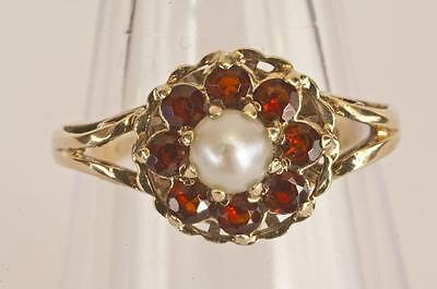 A VINTAGE SOLID 9ct GOLD GARNET & PEARL CLUSTER RING SIZE P (US 7.75)