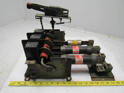 Square D CLass 9422 Type TF-2 125A Disconnect Switch Flange Mount & Handle